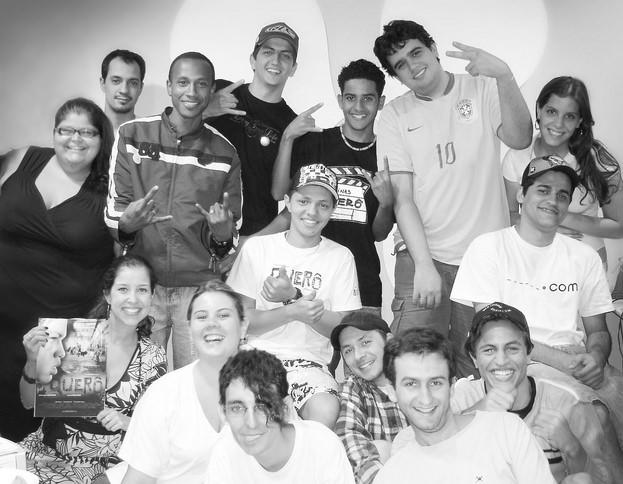 Em dezembro de 2006: equipe da Mkt Virtual com Eduardo Bezerra e Nildo Ferreira - na época alunos das Oficinas Querô. Hoje parceiros de trabalho e de amizade.
